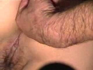 Hij filmt haar kut waar het geil uit druipt