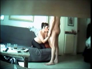 Zijn seksverslaafde vrouw betrapt met spycam