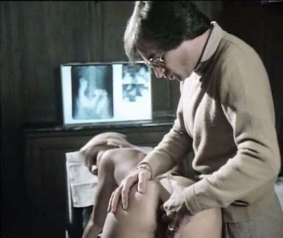 Doktoren die de vrouwen laat pijpen en ze neukt