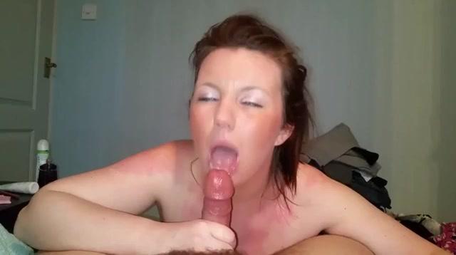 Deze geile huisvrouw laat haar mond vol sperma spuiten