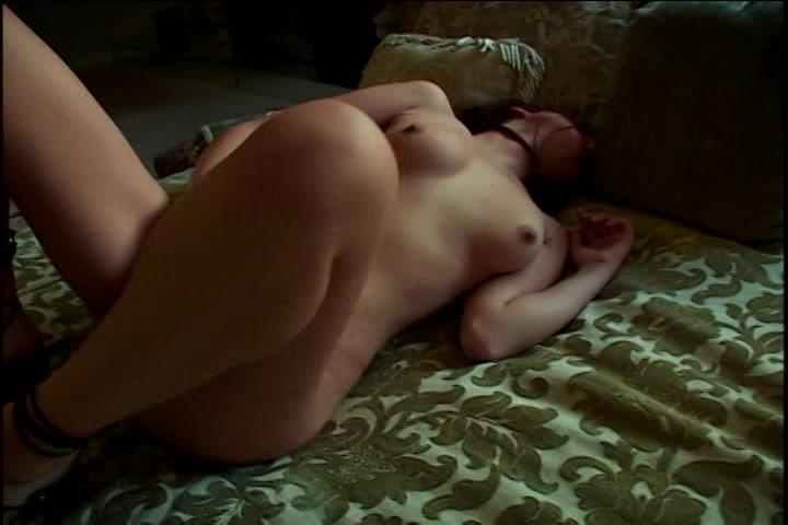 Ja hoor tijdens het mastuberen krijgt ze een orgasme
