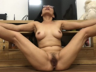 Asian MILF Sammi