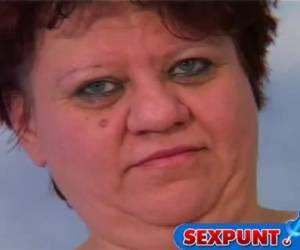 Haar obese opdracht is lullen afrtekken
