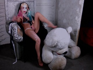 harley quinn solo aars fuck sex cunt booty prat ass fingering