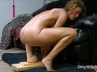 driftig hottie sexes and rides a brutal monster fakecock to make her slit happy